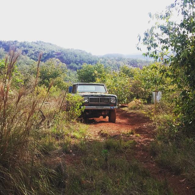 Al 40 jaar rijdt Keith in deze truck (zuipt benzine, 1 ritje van zijn huis naar hier kost 20 dollar).