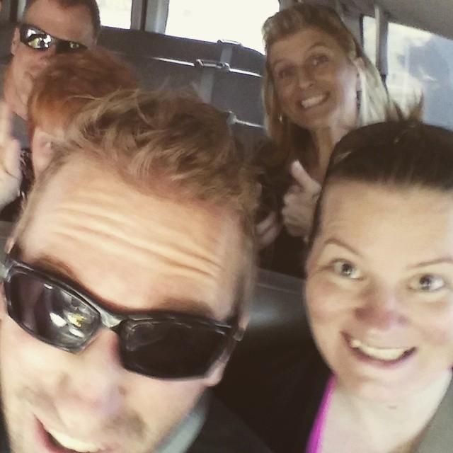 En toen was het tijd om naar de helikopter gebracht te worden. We zaten met wat mensen uit Reno en een 'local' (Pastor Bob) in de helikopter.
