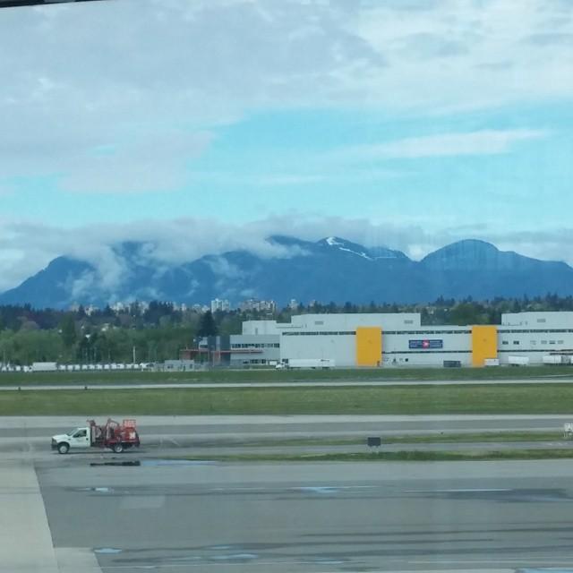 Na 16 jaar weer zicht op de bergen van Vancouver. Erg bijzonder.