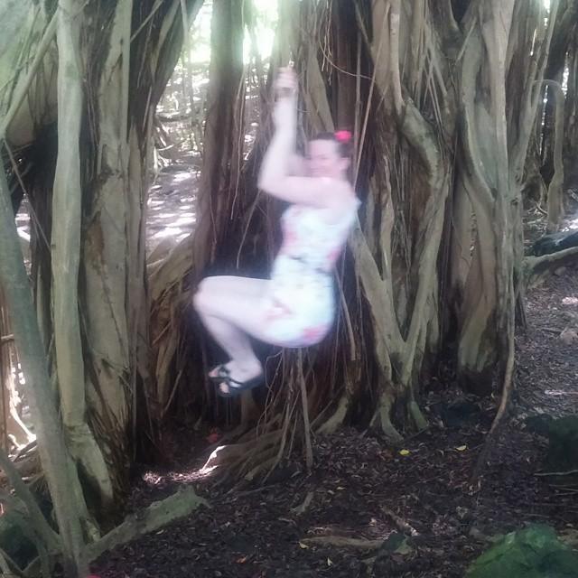Edith voelt zich helemaal thuis in de jungle.