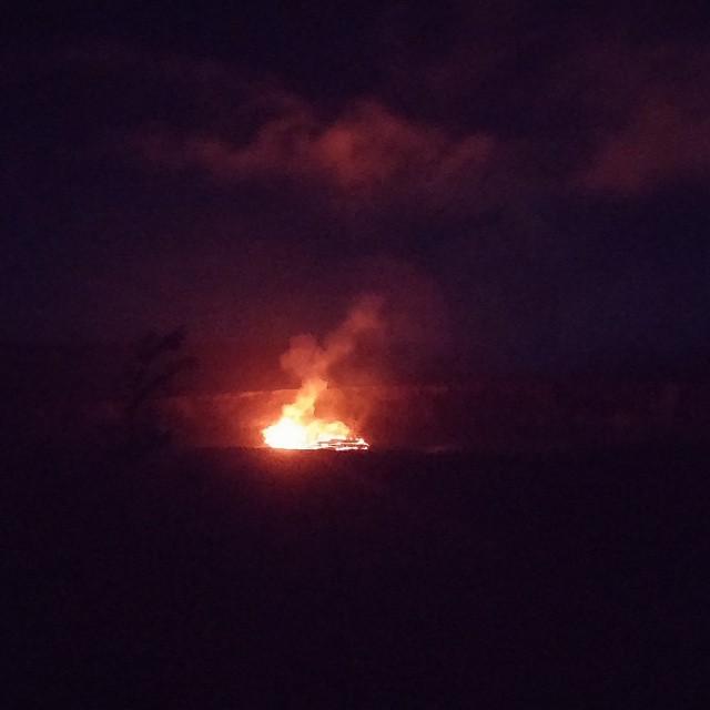 En toen was het donker en zijn we weer richting krater gelopen. Wat een ongelooflijk mooi uitzicht! Dit zie je misschien maar 1x in je leven...