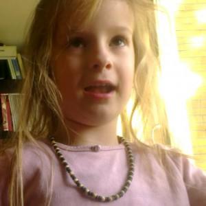 Filmpje : Lyse rolt met haar ogen