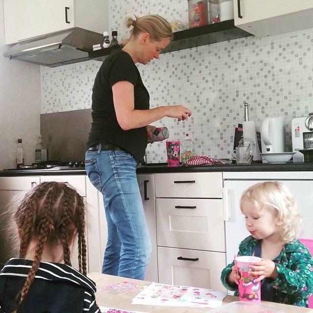 Op visite bij tante Ingrid, in haar nieuwe huisje
