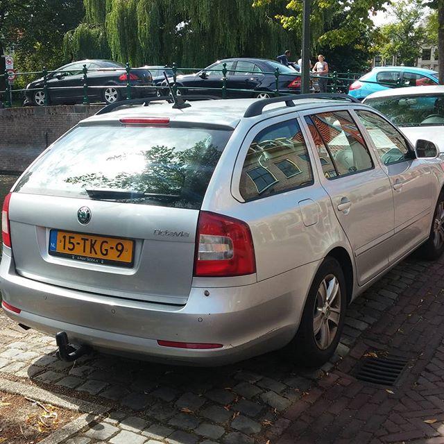 Ons dagje Hoorn begon met deze strakke parkeeractie