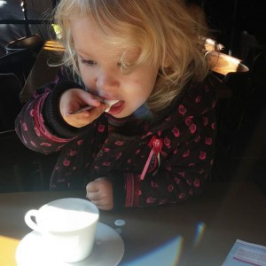 Cappuccino drinken met mama