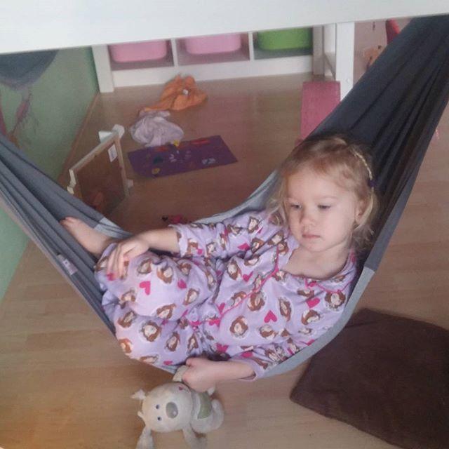 Chillen in de hangmat onder lyses bed