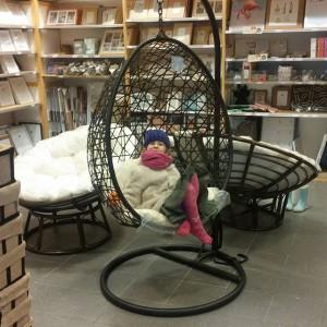 Deze stoel wil Lyse, ken je m nog Ingrid?