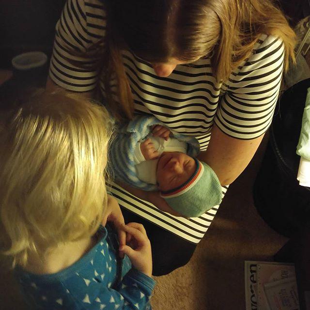 En toen was het eindelijk zo ver! Op 2 januari 2016 is ons nieuwe neefje Arin Elmer Steven geboren! Toen Minke mij belde en vertelde dat Arin als tweede naam mijn naam had gekregen, was ik net een uitje aan het snijden... Ik hoop niet dat Minke dacht dat ik het niet drooghield bij dit fantastische nieuws...