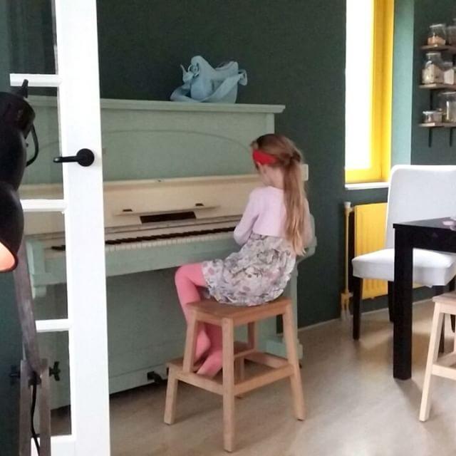 Filmpje : Lyse op de piano