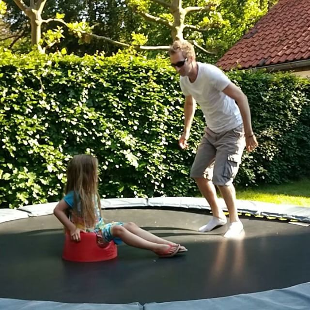 Filmpje : trampoline pret in Bilthoven vorige week