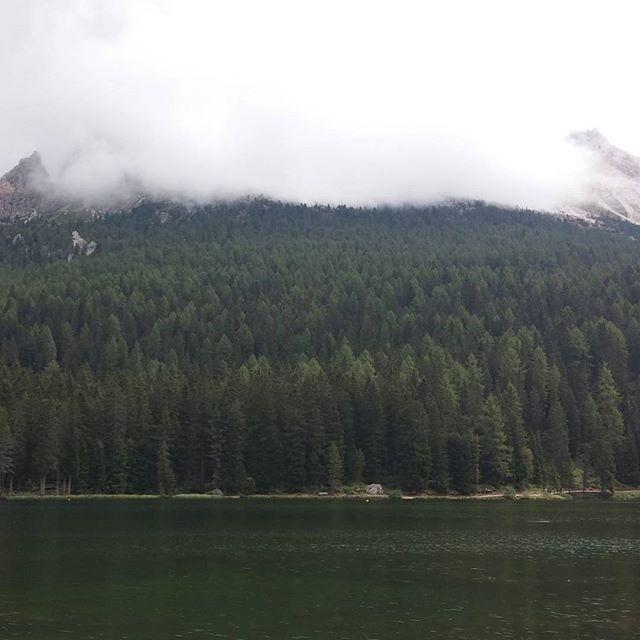Geluncht bij dit meer