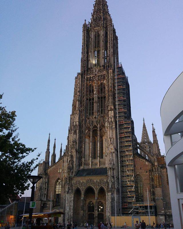 Hoogste kerktoren ter wereld. In Ulm. Zo hoog dat onze app m er niet helemaal op zet.