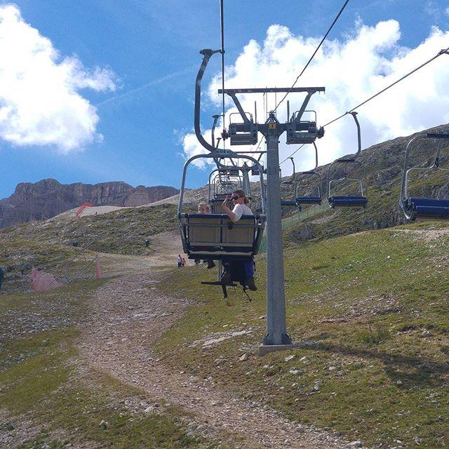 Na de eerste kabelbaan kunnen we nog verder omhoog (naar 2500 meter) met de stoeltjeslift.