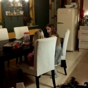 Filmpje : Lyse is al helemaal in de kerststemming #Gloooooooooooooooriah