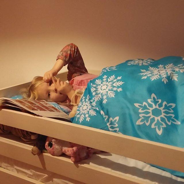 Nova in haar grote bed!