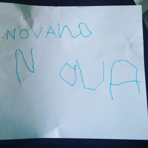 Nova schrijft voor het eerst haar naam! #trots