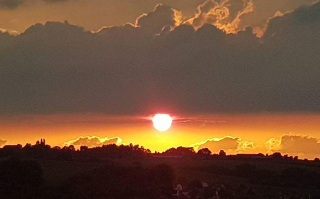 En tot slot werden we nog getrakteerd op een prachtige zonsondergang.