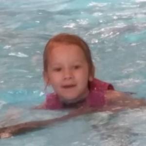 Nova's eerste zwemles
