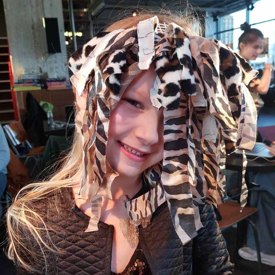 Maskers gemaakt vandaag bij de Rietwijker  @theaterstraat