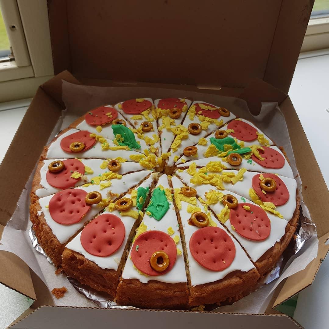 #pizzapie #zomerfeest #supermama #drukweekje #blijemeisjes